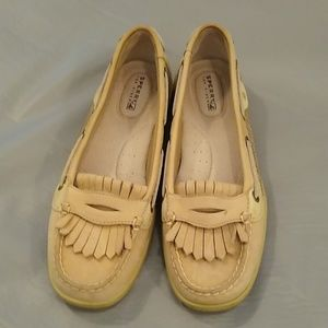 Sperry kiltie tan loafer